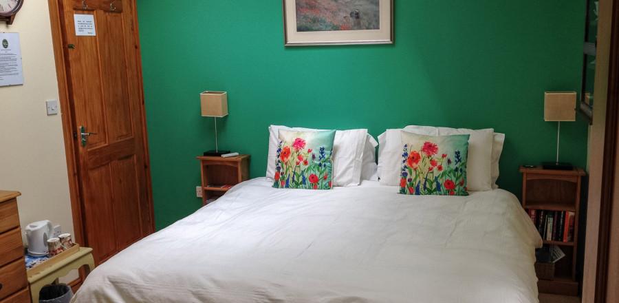 Cream-super-king-room